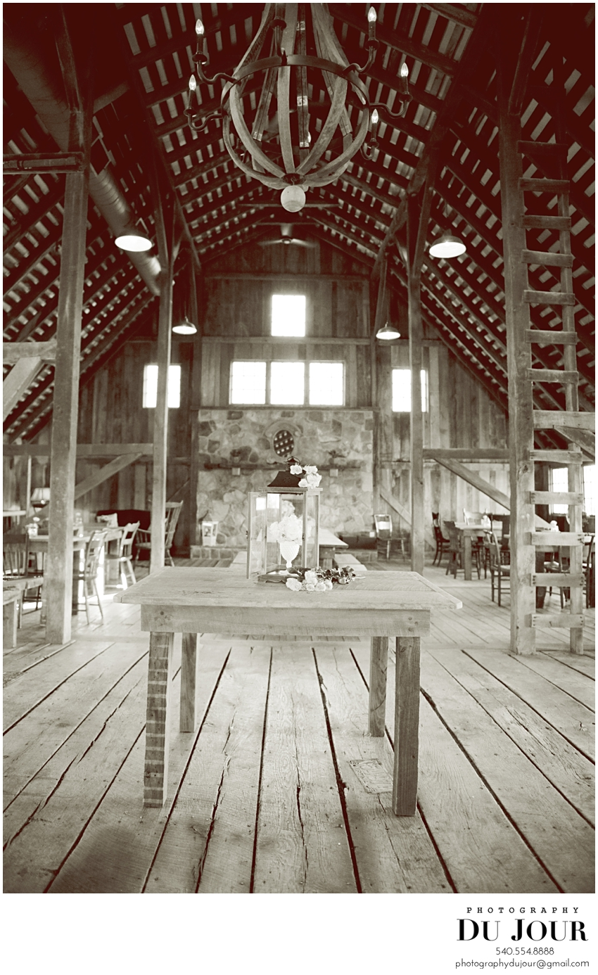 A little bit of lovely at The Barns at Hamilton Station: Loudoun Wedding Photographer